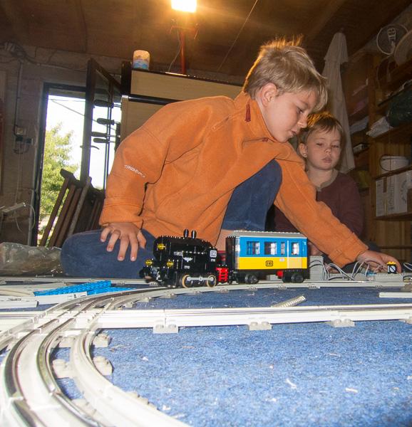 train_lego